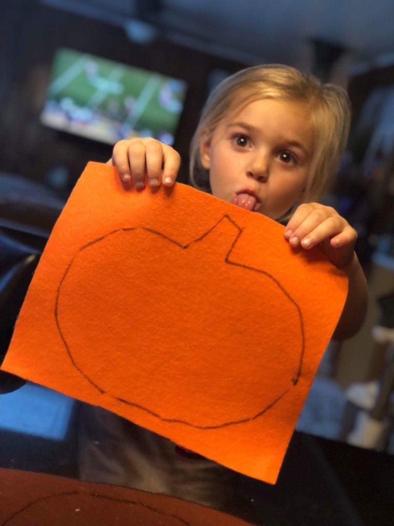 girl with felt pumpkin template